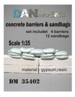 Concrete barriers and sandbads 1/35