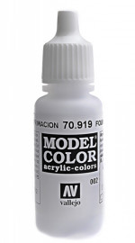 002: Model Color 919-17ML. Foundation white